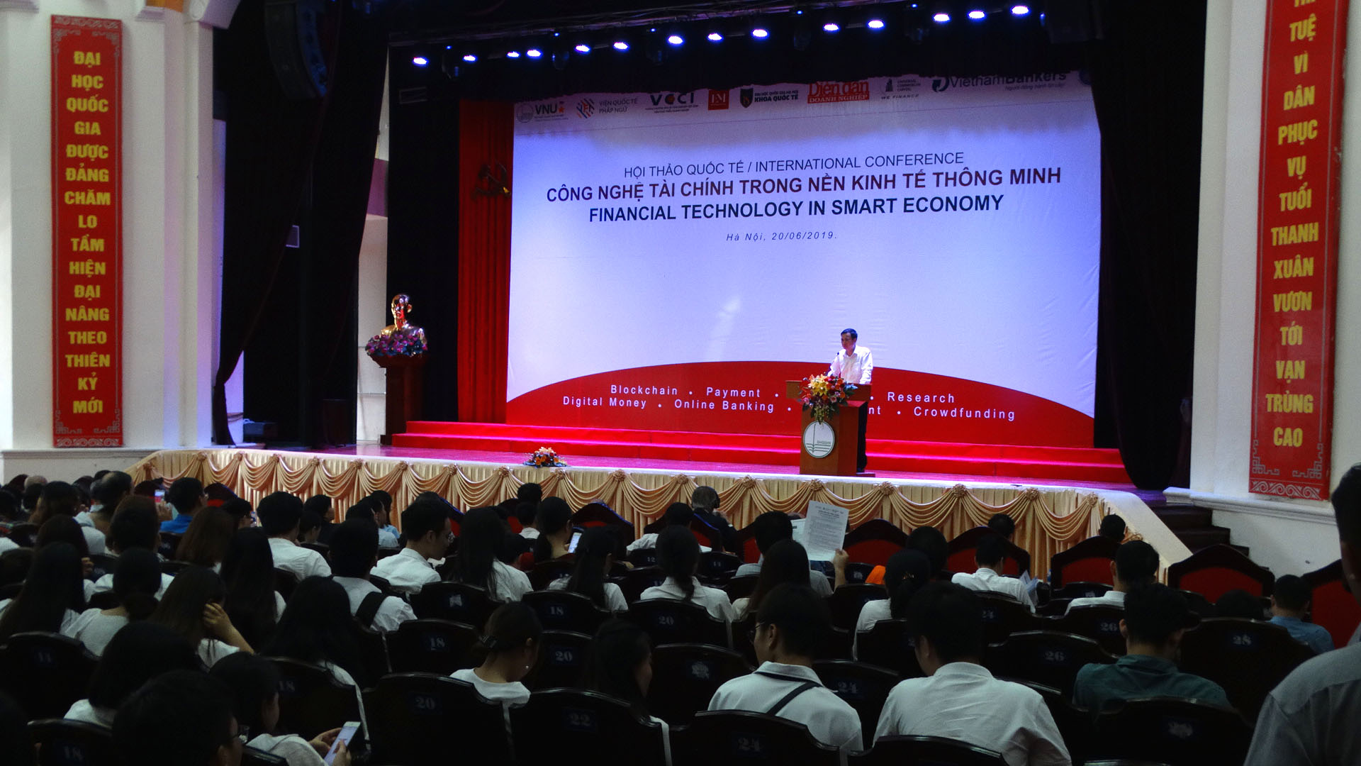 """Hội thảo quốc tế """"Công nghệ tài chính trong nền kinh tế thông minh"""""""