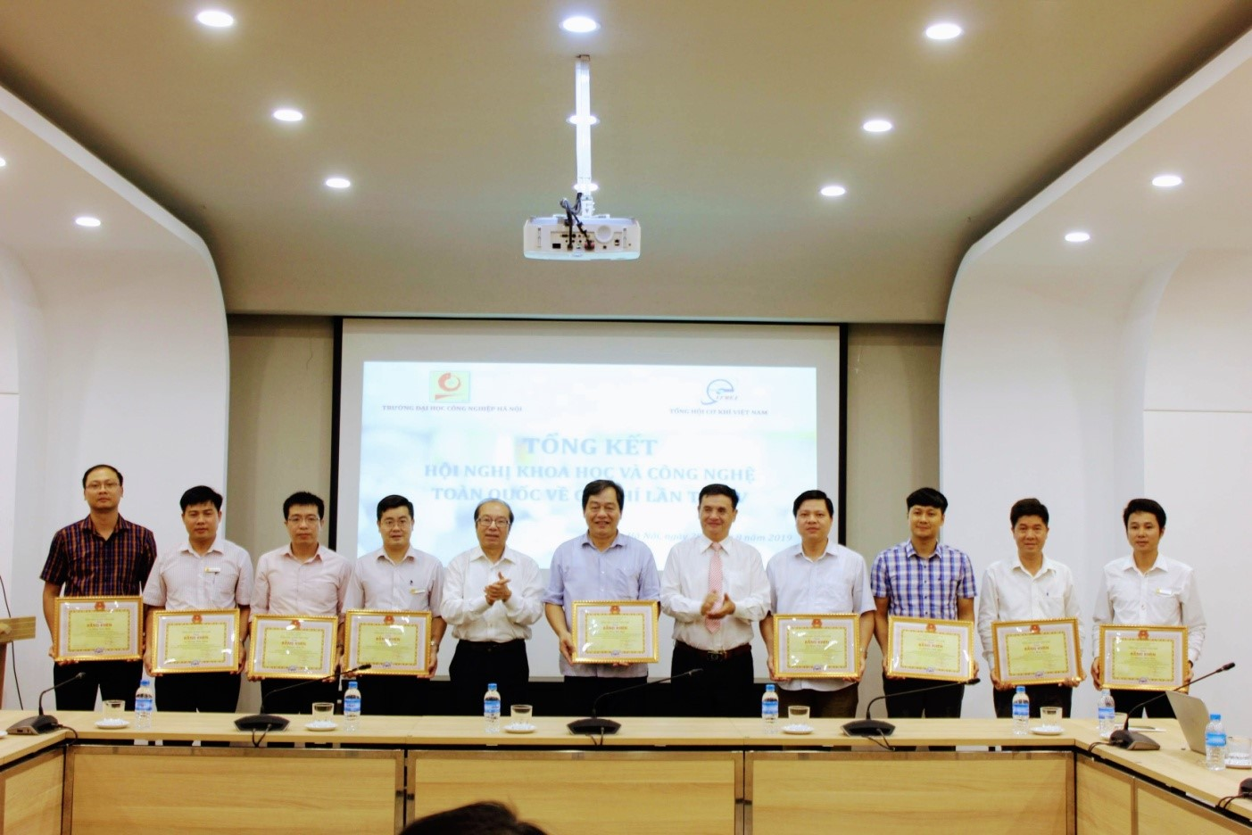Hội nghị Khoa học và Công nghệ toàn quốc Cơ khí lần thứ V tại Đại học Công nghiệp Hà Nội thành công tốt đẹp