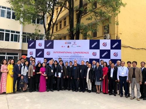 """Hội thảo khoa học quốc tế: """"Tự chủ hoạt động Khoa học công nghệ tại các trường đại học đáp ứng yêu cầu của cuộc Cách mạng công nghiệp 4.0"""""""