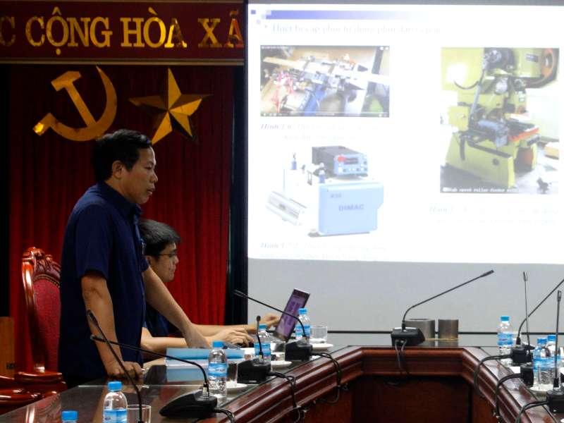 """Nghiệm thu đề tài KHCN cấp trường: ''Nghiên cứu và chế tạo thiết bị cấp phôi tự động liên hoàn cho máy dập E2W300"""""""